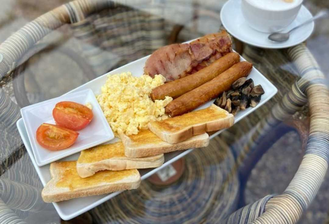All day big breakfast at Bumbles Cafe, September 2021